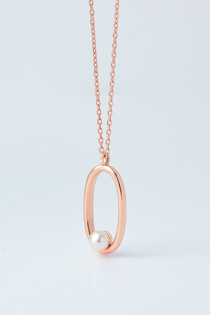 Pearl in Oval Necklace (김규선,심이영 착용)